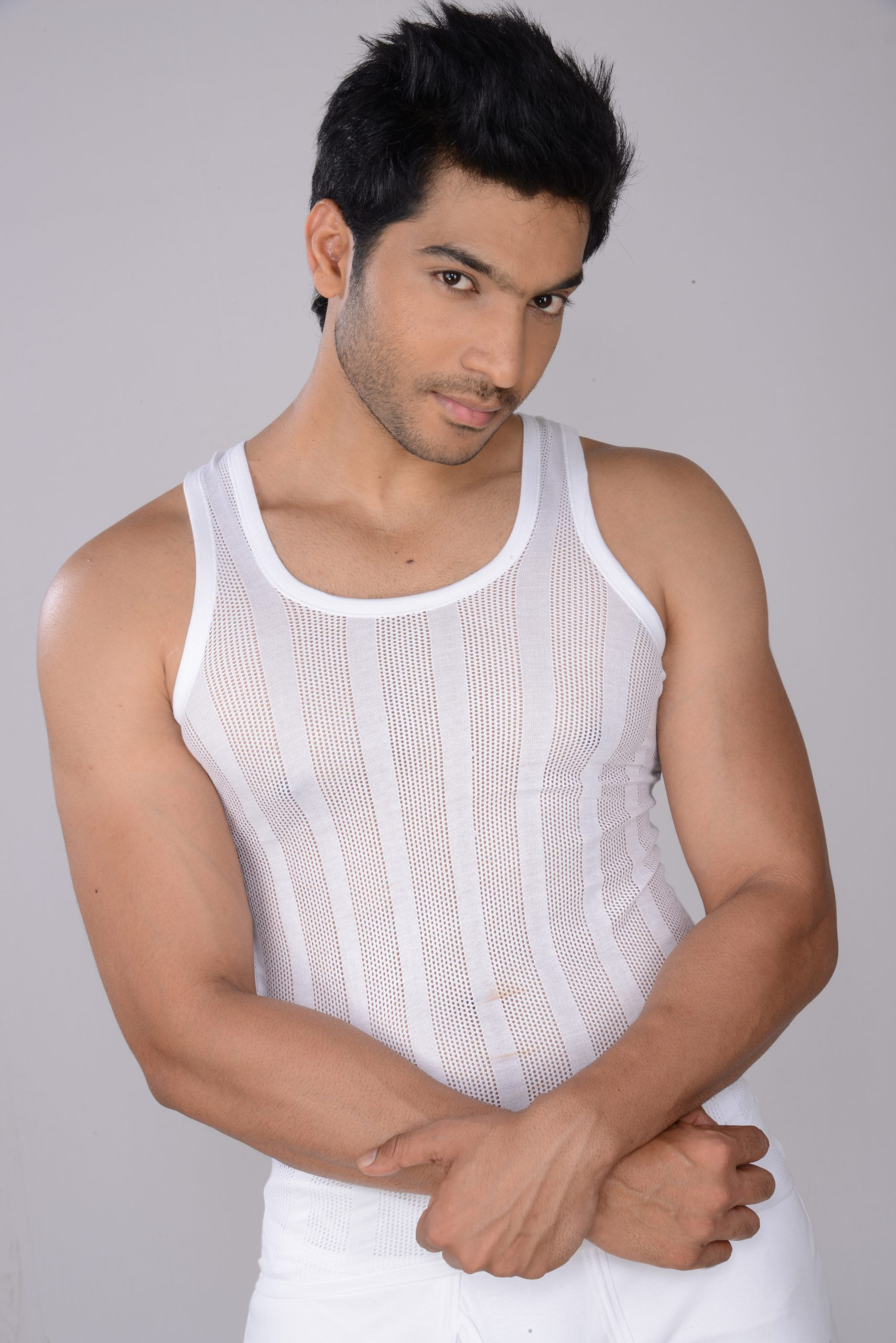 ANAND AC SPL Men's White Color Sleeveless Vest (Pack Of 3)